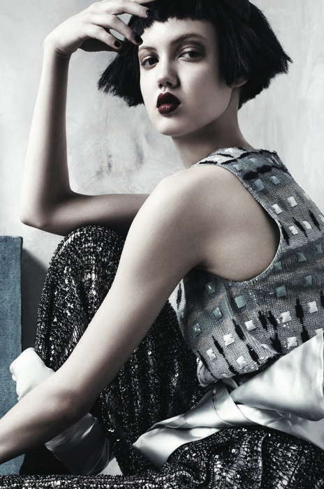 Chopped Black Bob Editorials - The Vogue Korea Easy Does It Photoshoot Features Short Tresses