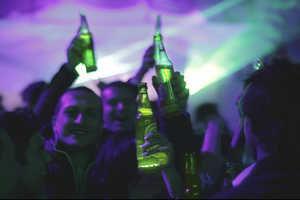 The Interactive Heineken Beer Bottle Illuminates When People Cheers