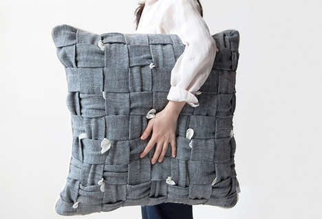 Fidgeter-Friendly Cushions - The Huhu Pillow Invites You to Twiddle, So to Distract from Bad Habits