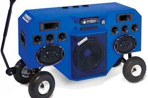 The Mobile Boombox Soundsystem Transports Beats on the Go