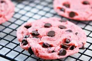 The Cake Mix Cookies From Sally's Baking Addiction are Ado
