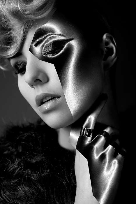 Two-Faced Cosmetic Captures - The Edge Sandra Jasińska Editorial Showcases Inverted Imagery
