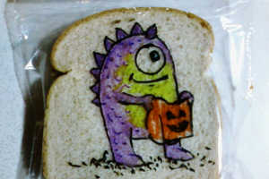 This Amazing Dad Makes Sharpie Drawings on His Kids' Lunches
