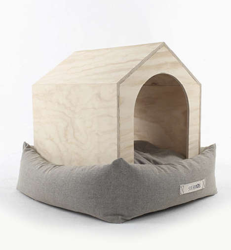 Six Hands Dog House