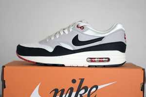 Sneakers Addicts Gives Tips on How to Personalize Your Nike Air Max 1's