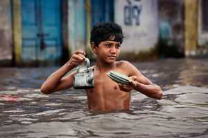 Steve McCurry Captures Worldly Themed Cultural Images