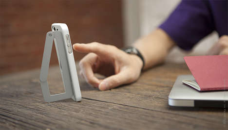 Clingy Cell Kickstands - The Katch iPhone Case Functions as a Prop and a Clip for Your Convenience
