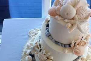 These Seashore Wedding Cakes are Sandy and Sweet
