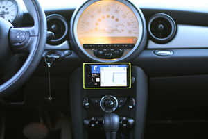 The 'nGroove Snap' Mount Makes Your Smartphone Float While You Drive