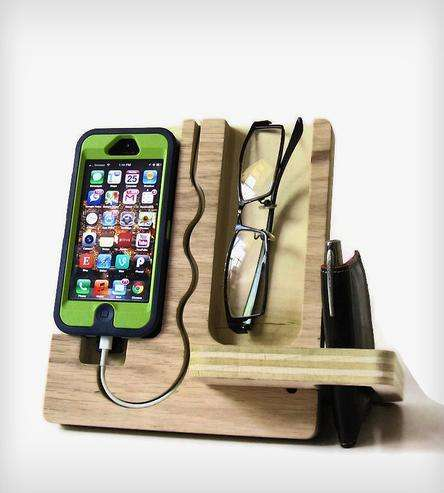 Wooden Docking Valet