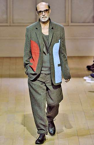 Seniors on the Catwalk - Yohji Yamamoto's Paris Runway