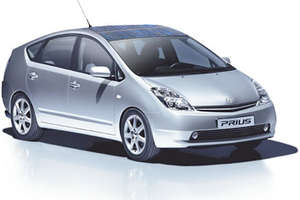 Toyota Prius Hybrid Gets Solar Roof