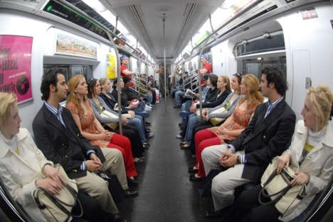 Improv Everywhere Puts 16 Twins on Subway