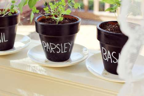 DIY Chalkboard Planters - This DIY Tutorial Explains How to Convert Plant Pots into Chalkboards
