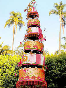 36 Over-the-Top Wedding Cakes - From Donut-Made Wedding Cakes to Blinged Bridal Baking