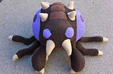 Huggable Gaming Aliens - The Zerg Overlord Plush Brings New Meaning to the Term 'Zerg Rush'