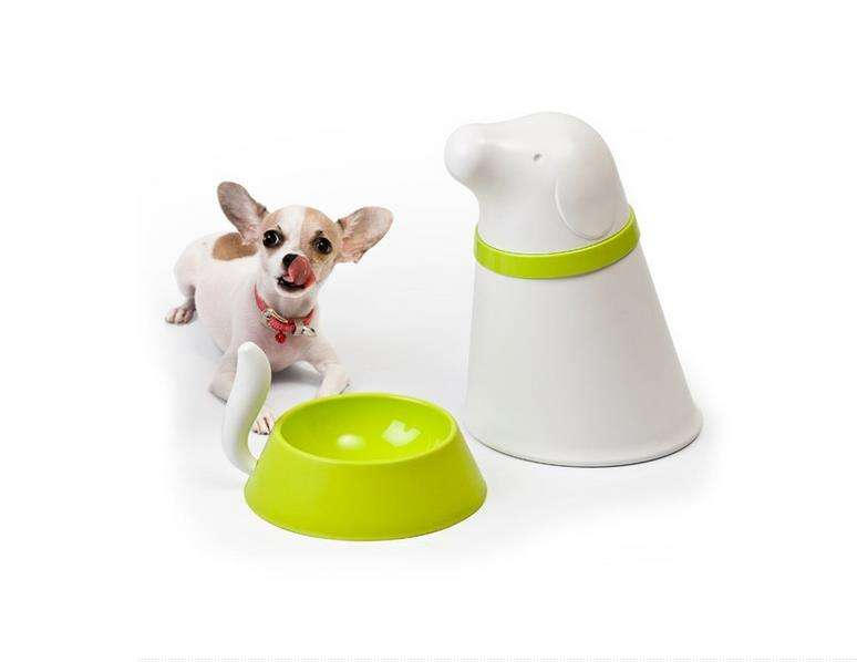 Distinguishably Shaped Pet Feeders