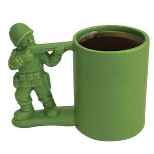 Toy Soldier Coffee Mugs - This Plastic Army Cup Helps People Relive Their Childhood