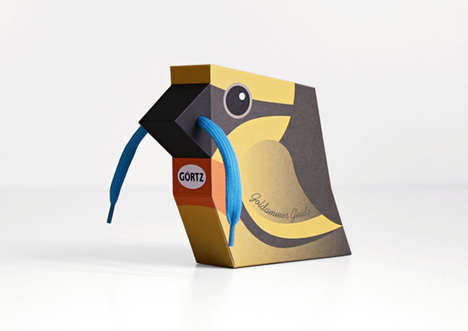 Avian Shoelace Packaging - Görtz' 'Shoelace Birds' are an Imaginative Way to Package Shoelaces