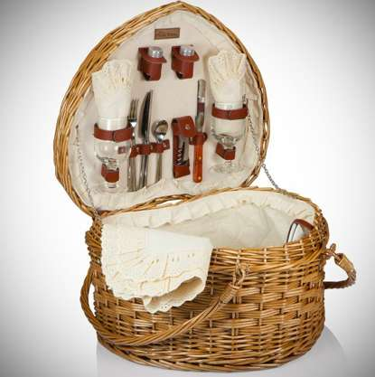 Love-Inspired Picnic Baskets - This Romantic Picnic Basket is the Perfect Choice for a Summer Picnic
