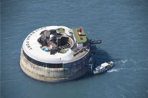 The Spitbank Fort in England is a Secluded Private Sea Resort