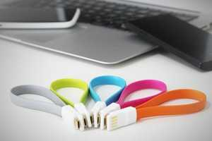 This Magnetic USB Cable Stays Tangle-Free at All Times