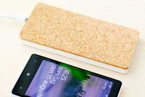 A QI Wireless Charger Get a Fresh New Look with a Cork Finish