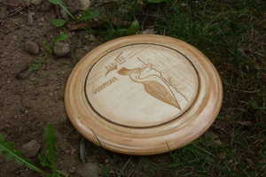 This DIY Wooden Frisbee Adds a Little Charm to This Outdoor Activity