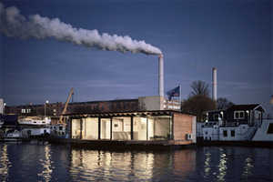 The Modern Houseboat Offers a Short and Unusual Getaway