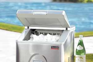 This Portable Ice Maker Will Help to Keep Your Drinks Cold