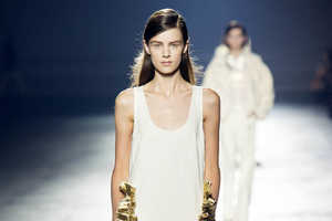 Dries Van Noten Spring/Summer 2014 Jazzes it Up WIth Gold Accents