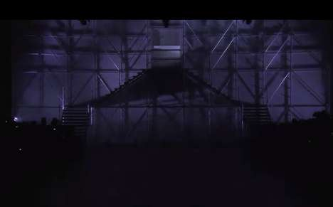 Ferociously Choreographed Catwalks - The Rick Owens S/S 14 Show has Fierce Choreography