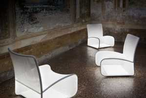 The Nuvola di Luce Chair Introduces Comfort and Atmospheric Qualities