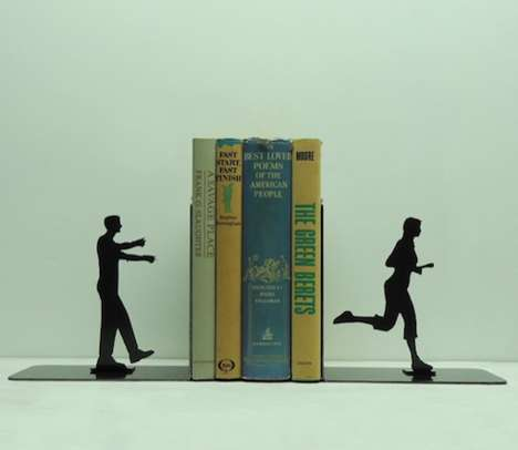 Undead Chase Bookends - These Zombie Bookends Act Out a Hungry Zombie Scene