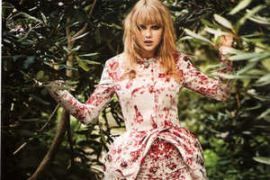 Taylor Swift Shows Off Her Maturation in InStyle November 2013