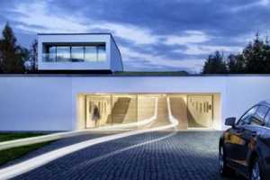 KWK Promes Has Transformed This Driveway Into Art