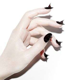 Prickly Manicure Designs - The Rose Noir Nails are a Fresh Take on Sharp Fashion