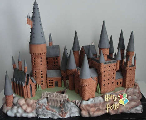 Wizarding School Cakes - This Harry Potter Cake by Cherry Bay Cakery is Magically Declicous