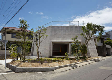 Polygonal Brick Abodes - The Shirasu House Has a Flat Top and Whimsically Angular Walls