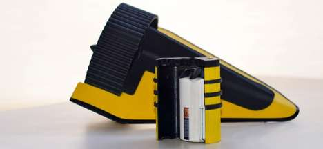 Portable Hydroelectric Turbines - The HydroBee by Burt Hamner Charges a Pair of AA Batteries