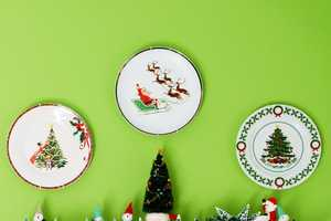 These DIY Christmas Plate Collages Turn Simple Dishes into Wall Art