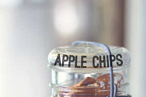 These Do It Yourself Apple Chips are Tasty and Festive