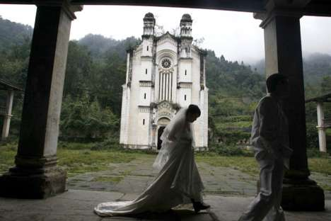 Earthquake Weddings - Photos in the Wake of the China Quake