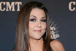 Gretchen Wilson Sued by Black Crowes