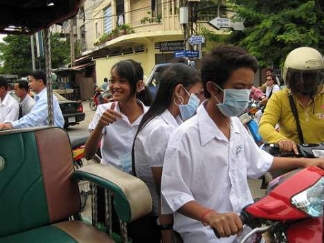 Smog Masks - 10 Global Photos