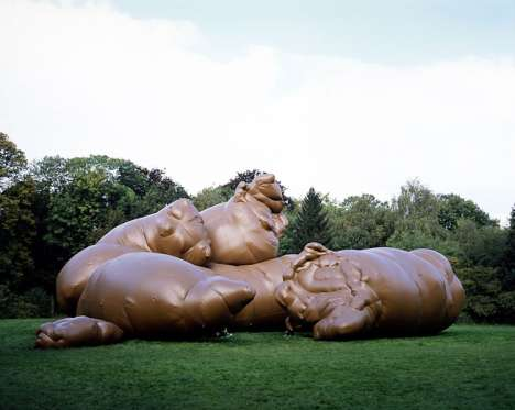Weird Inflatable Sculptures - Paul McCarthy's Giant Piece of Crap