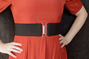 Turn an Ordinary Piece of Elastic into a Comfy Belt with This DIY Guide