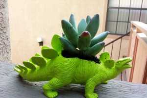 The Plant-A-Saurus Dinosaure Planter Breathes New Life Out of its Body