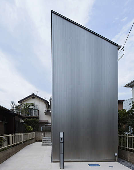 Narrow No-Window Houses - Kobayashi Designs a House in Tokyo with No Windows or Doors on its Front
