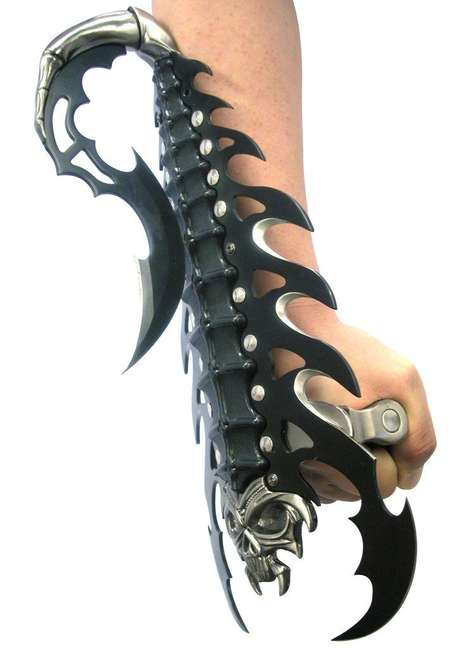 Deadly Scorpion-Shaped Gauntlets - The BladesUSA Fantasy Knife is Fit for Khal Drogo